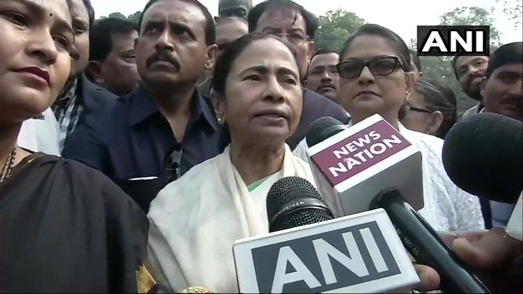 दिल्ली की रैली में ममता बनर्जी ने दिया 'मोदी हटाओ देश बचाओ' का नारा