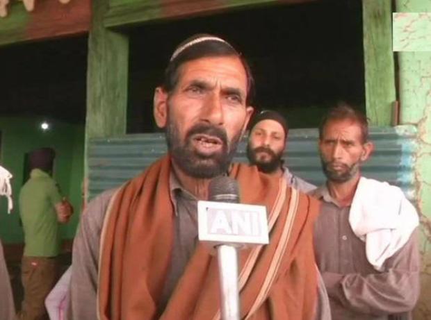 जम्मू-कश्मीर: शहीद औरंगजेब के पिता हुए बीजेपी में शामिल!