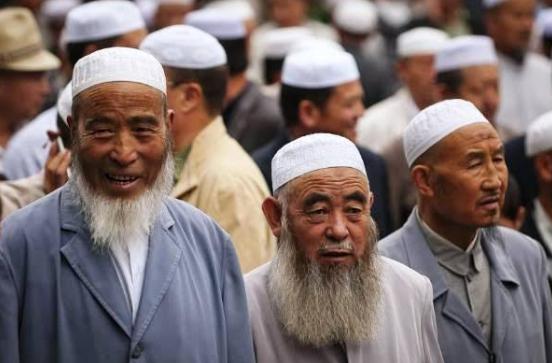 क्या मुसलमानों को बदल पायेगा चीन?, इस्लाम से क्यों जलता है यह देश?