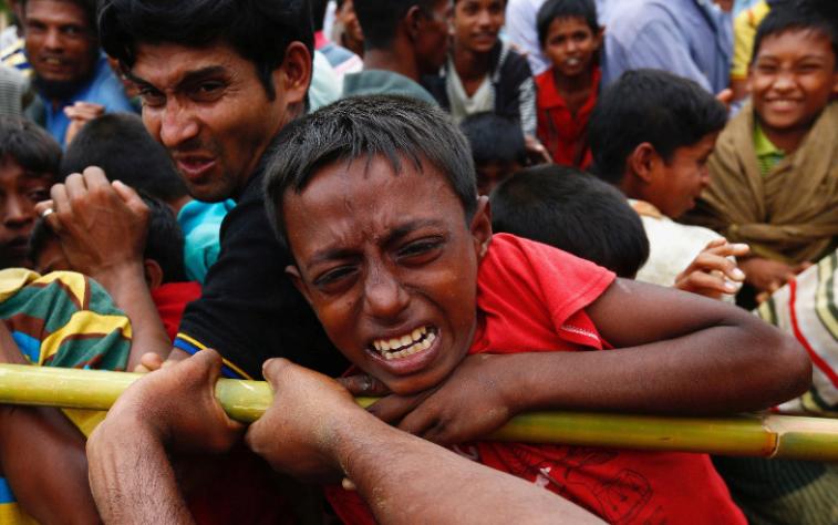 म्यांमार की सेना न रोहिंग्या मुसलमानों के बच्चों को जिन्दा जलाया!