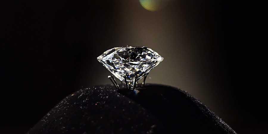 हैदराबाद निज़ाम के गहने के साथ दुनिया के सबसे बड़े हीरे में से एक का राष्ट्रीय संग्रहालय में लगा प्रदर्शनी