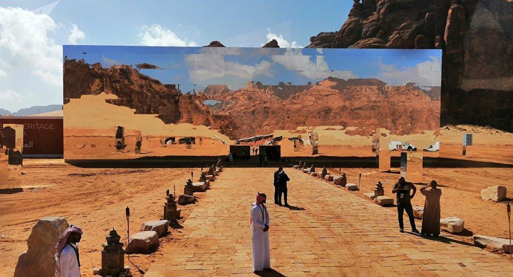 सऊदी अरब ने दुनिया के लिए टूरिज़म का रास्ता खोला, हुआ स्वागत