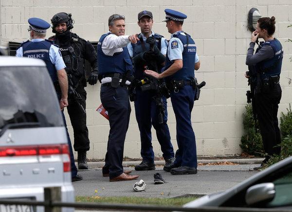 अमेरिका की मस्जिद में लगी आग, पार्किंग में मिली चिट्ठी, न्यूजीलैंड हमले का जिक्र