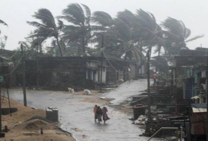 देश के कई राज्यों में भारी तूफान, 30 लोगों की मौत!