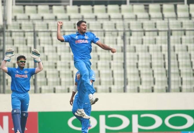 वर्ल्डकप: तेज़ गेंदबाज आवेश खान और खलील अहमद भी टीम के साथ जायेंगे इंग्लैंड!