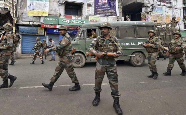पश्चिम बंगाल में चुनाव के मद्देनजर भारी संख्या में सुरक्षा बलों को किया गया तैनात!